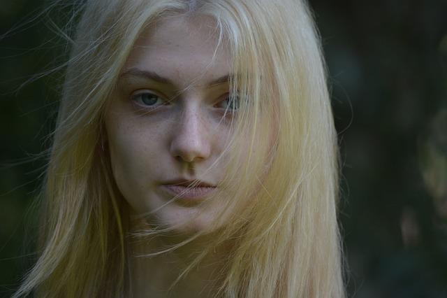 pihatá blondýna