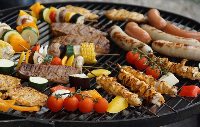 potraviny na grilu