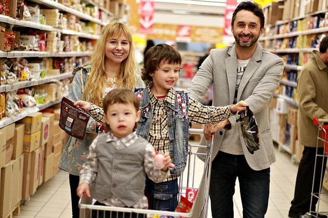 nakupující rodina
