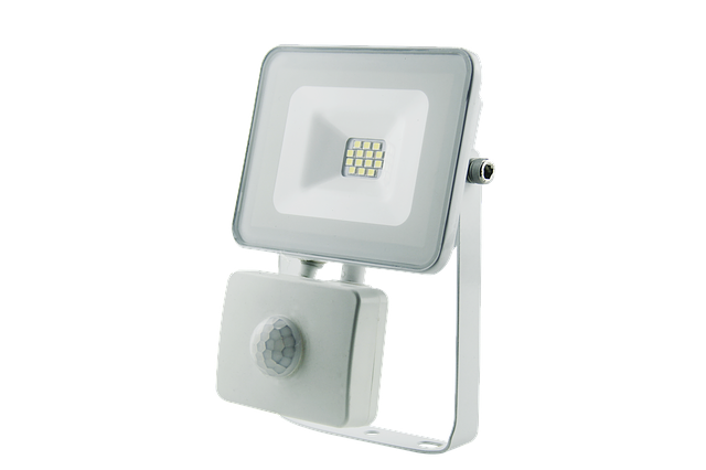LED halogenový reflektor s PIR čidlem