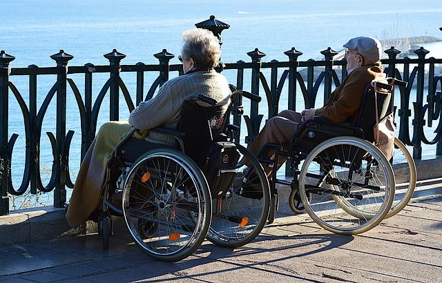 pár vozíčkářů